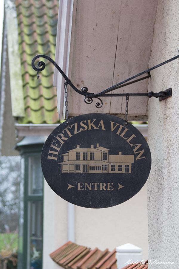 Hertzska villan var gammaldags och trevlig. Ett bra ställe att hålla bröllop på!