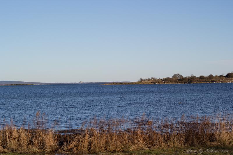 Högvattenstånd idag - för två dagar sedan kunde man gå torrskodd till Lindö ;)